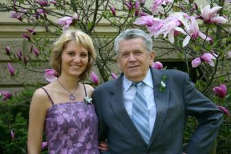 ...naši svědci...sestra ženicha a dědeček nevěsty...