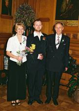 ...ženich s rodiči...