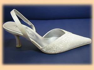 moje svatební botky, už jsou doma :-)