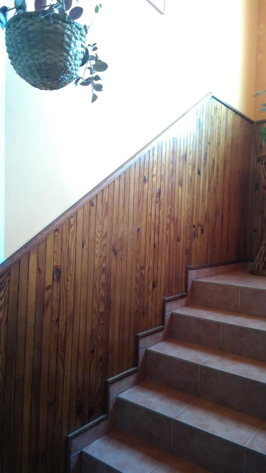 Máme na schodisku drevený... - Obrázok č. 2