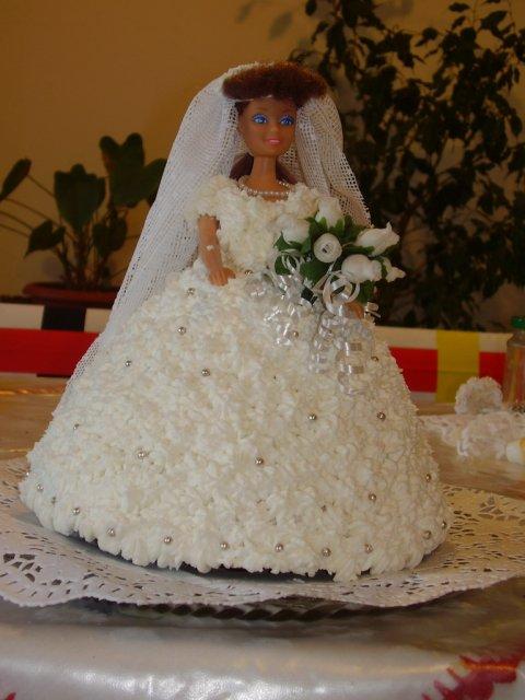 Kika{{_AND_}}Pišta - Svokricka tiez prispela tortou.