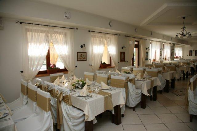 Kika{{_AND_}}Pišta - Vyzdoba stolov