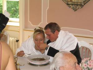 Krmení nevěsty
