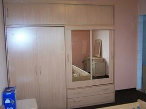 Prostorná skříň