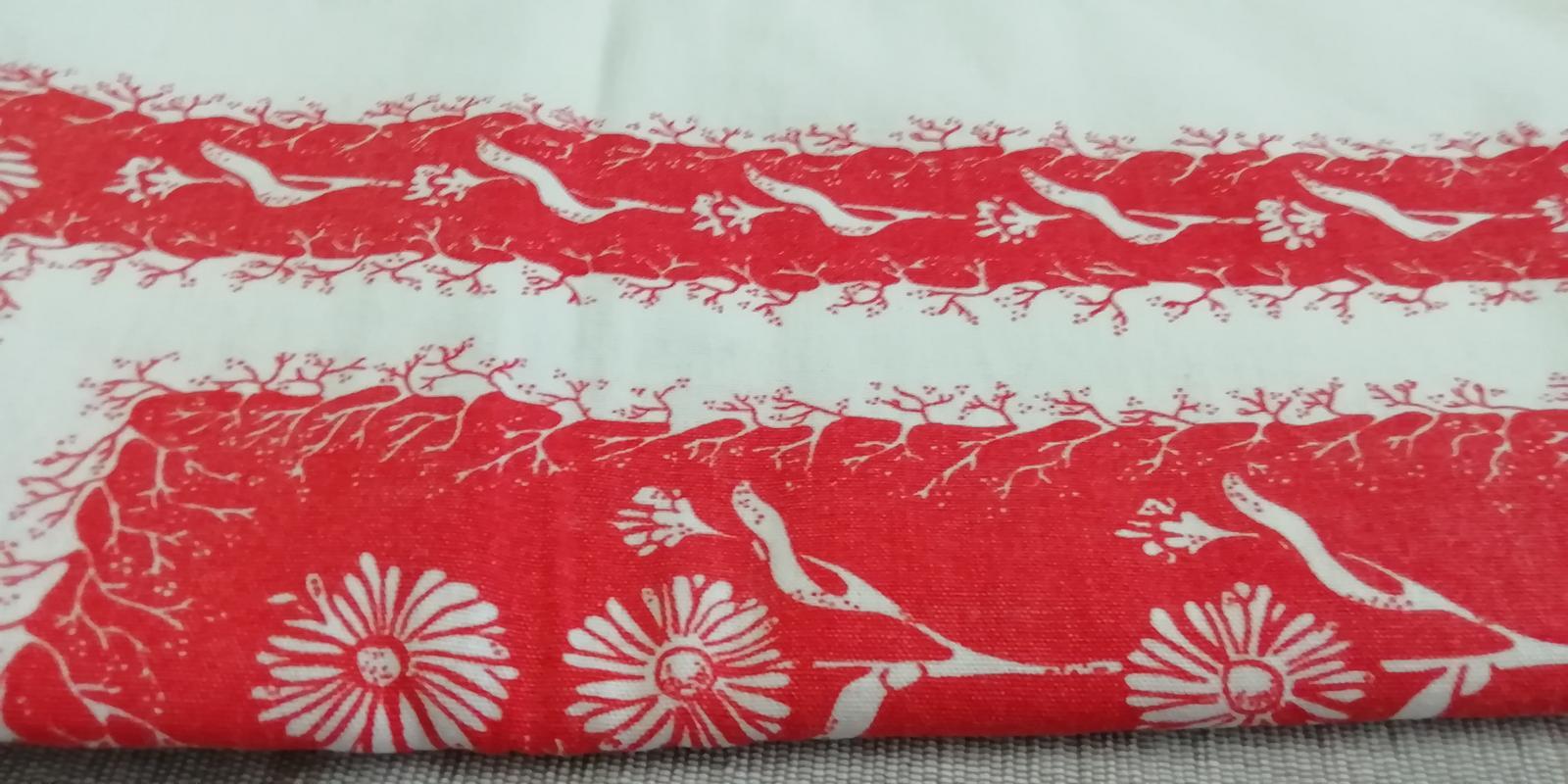 Obrus červeno - biely kvetovaný - Obrázok č. 3