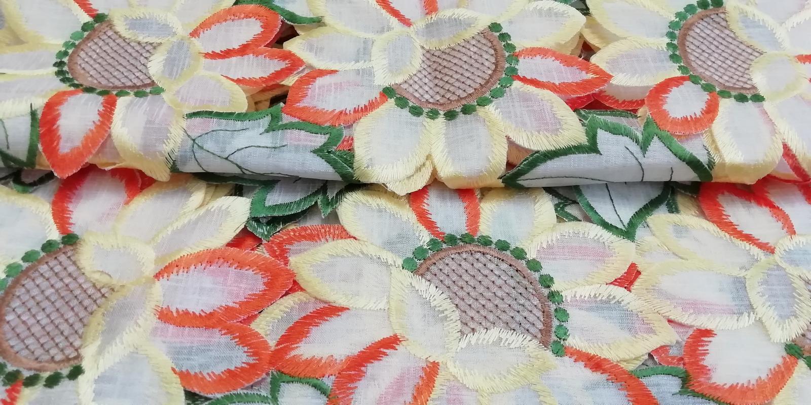 Obrus s kvetmi - Obrázok č. 1