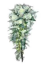 podobnou kytici budu mít - ale místo růží budu mít cosi modrého...