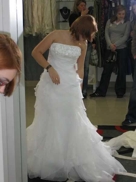 18.9.2010 bude bašavel:)) - briliant white? tento odtien sa mi nehodiii