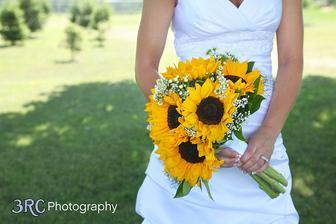 A nebo tahle jednoduchá....ať tam je něco trochu tradičního(nevěstin závoj) :)
