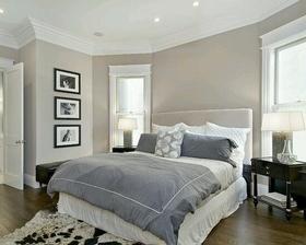 Super světlá místnost a položení postele...