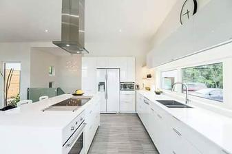 krásně světlá kuchyně