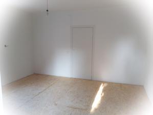 Nové dveře (domácí výroba) + podlaha obroušena & připravena na lakování 😉