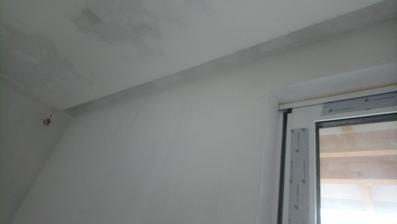 10/2017 detail mého vysněného žlábku na kolejnice v obývací části