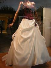 Nádherné šaty, které jsem objevila za výlohou ve Frankfurtu n.m.