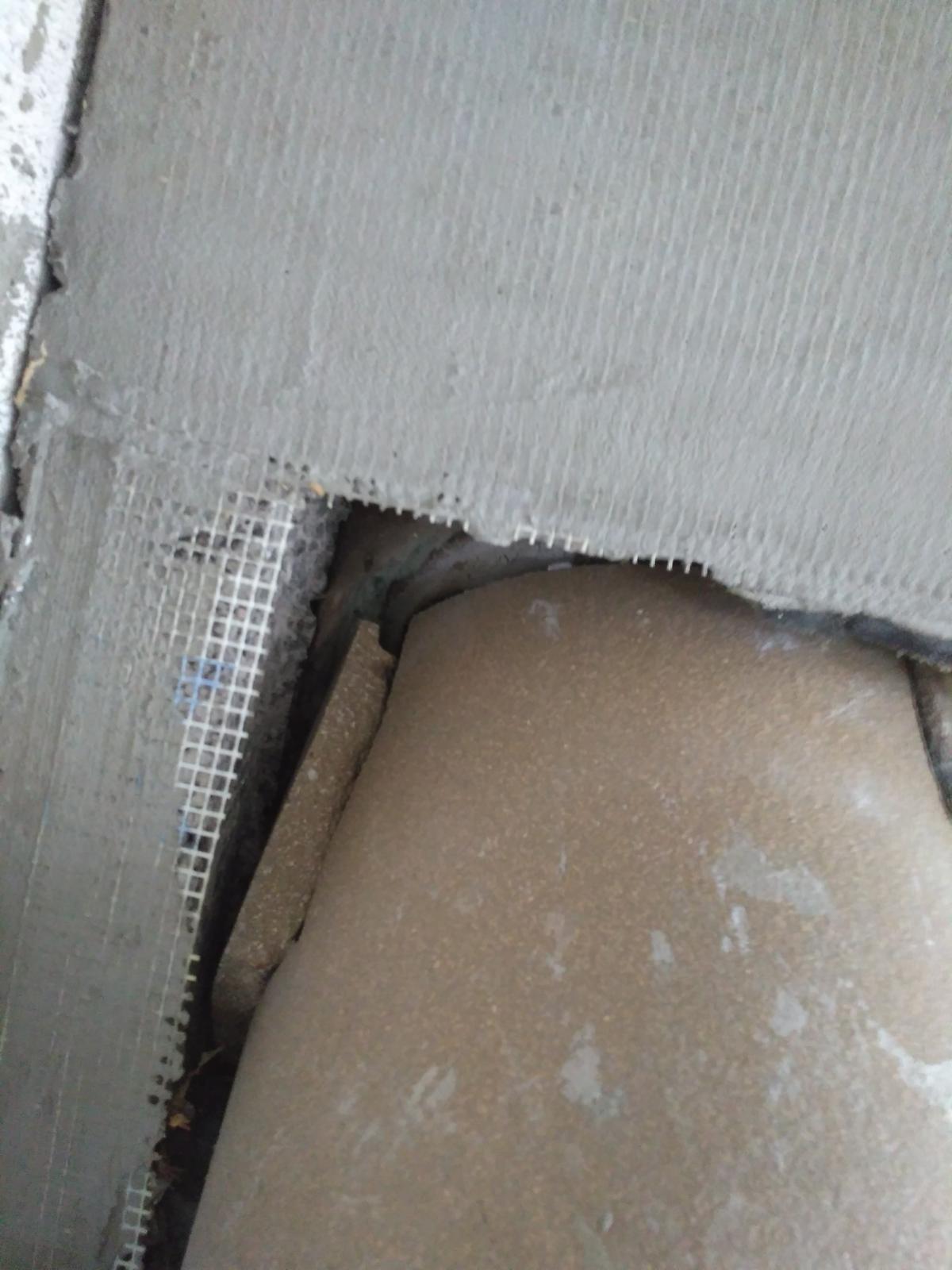 Oprava keramického komínu - Odskočený sopouch od hlavního tělesa komínu