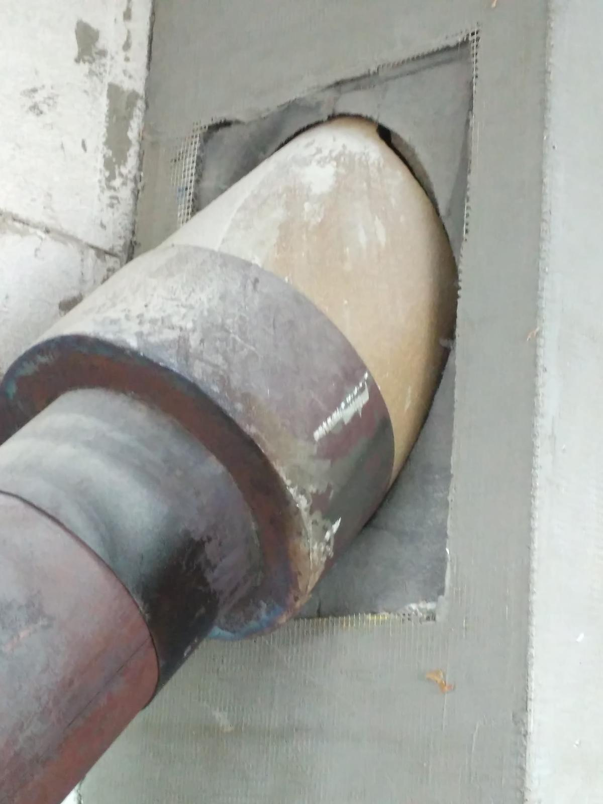 Oprava keramického komínu - Odhalené poškození a zároveň jeho příčina