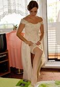 Elegantni jednoduche svatebni saty, 38