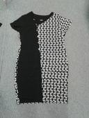 Krátké ekry-černé šaty , 52