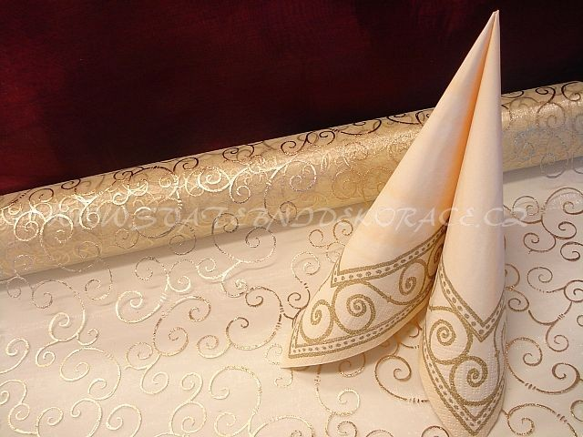 Základ výzdoby svatební tabule..