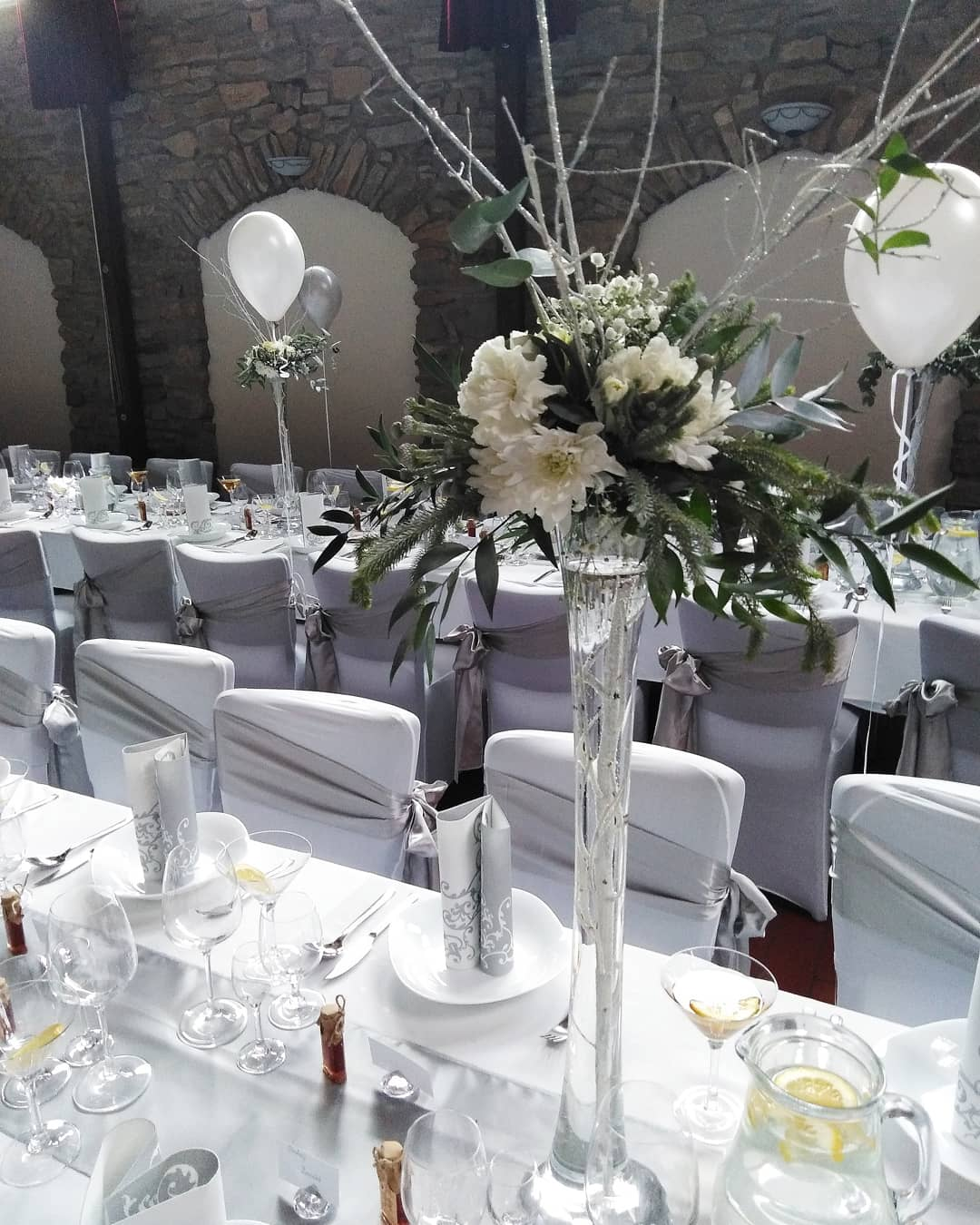Zimná bielo-sivá svadbicka, Venuša, Spišská Nova Ves - Obrázok č. 3