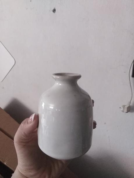 Mala biela vaza/prenajom - Obrázok č. 1