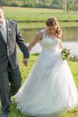 Svatební šaty s vlečkou ,vel 37-38, 38