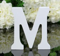 Manželova iniciála...buď použijeme na dort, nebo ozdobu (ať už svatby nebo budoucího bydlení)