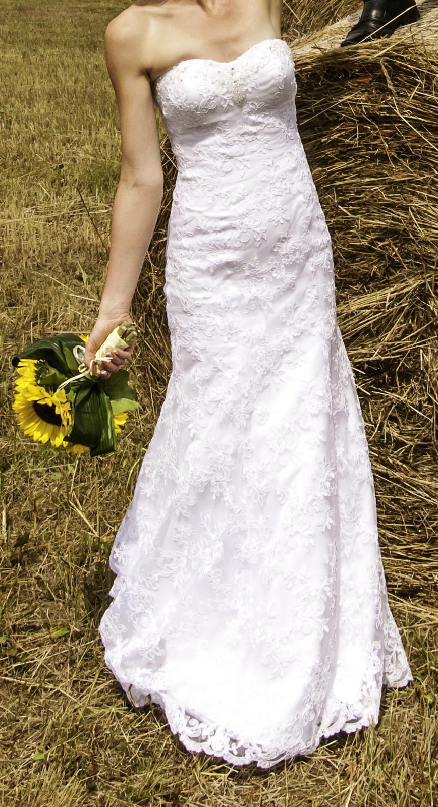 Jednoduché svatební šaty   - Obrázek č. 1