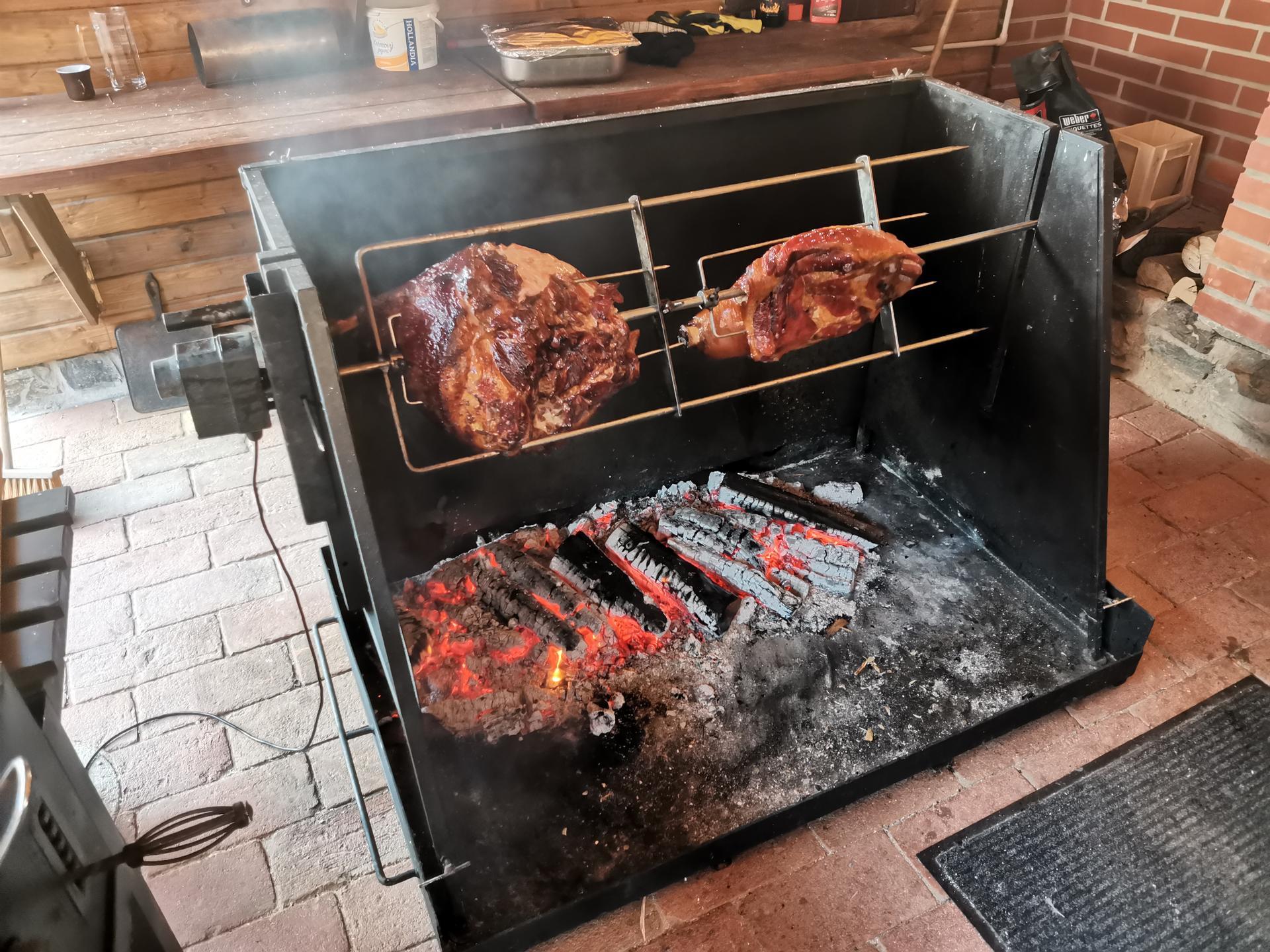 farmaheroutice - část večerního grillu