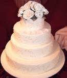 Nase pripravy - tak tu su nejake napady na svadobnu tortu. Malo by to byt nieco jednocuche a neprecackane