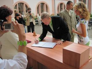 podpis svědka,můj bráška Páťa