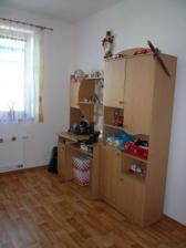 Dětský pokojík - trošku skladiště.