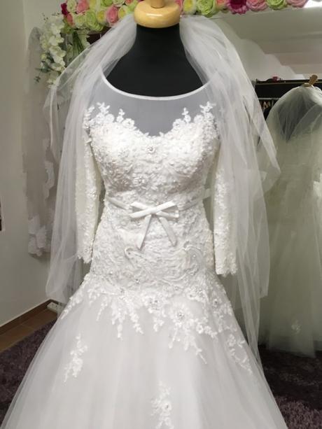 Svatební šaty XS/S - Obrázek č. 1