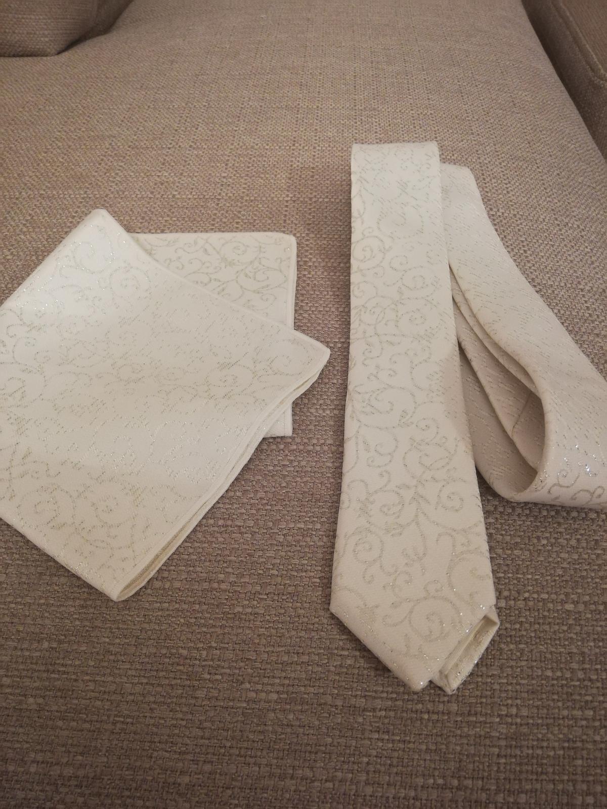 Svatební kravata a kapesníček - Obrázek č. 1