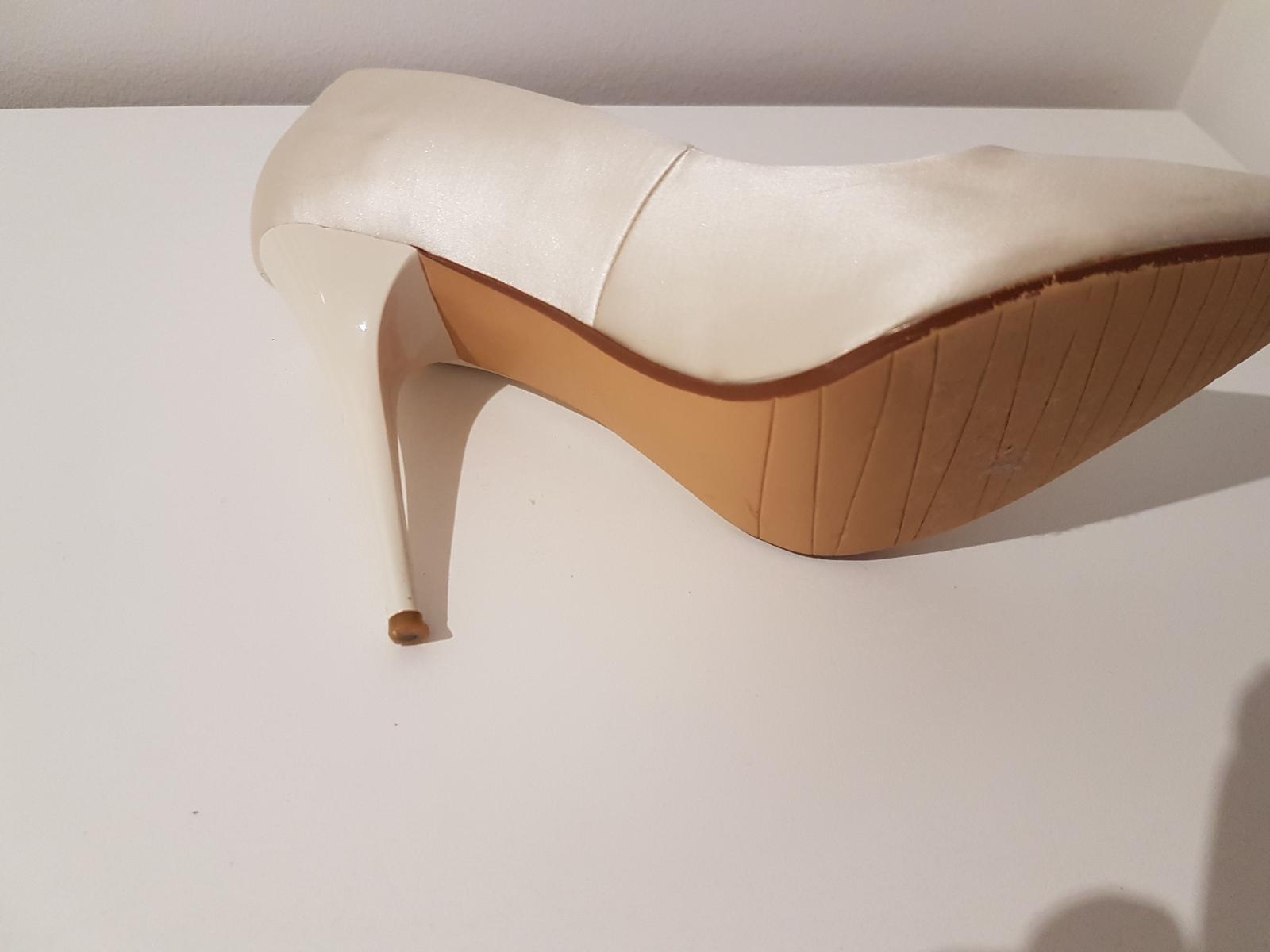 Svadobné topánky - Obrázok č. 3