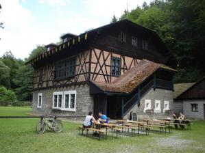 Švýcárna - tady bude hostina a vše ostatní až do rána :-)) nahoře se spinká