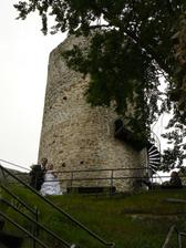 s hradní věží