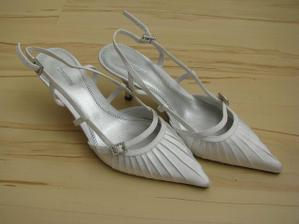 mé svatební střevíčky