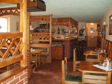 11.7.2009 v 11.00 na radnici v Lokti - restaurace