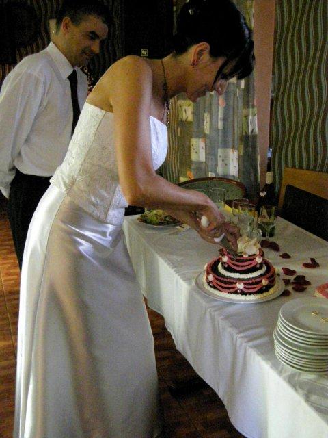 Soňa{{_AND_}}Jirka - takhle se krájí dortík