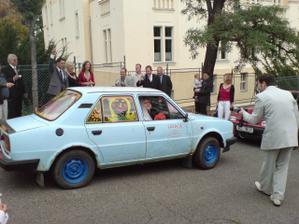 Druhé auto do rodiny :-) Dárek od kamarádů