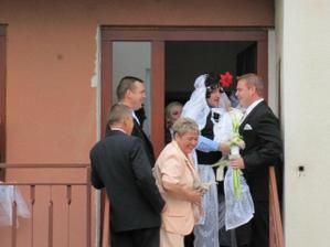 ženich nechtěl falešnouá nevěstu