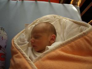 2. 10. 2011 se nám narodilo naše sluníčko :)