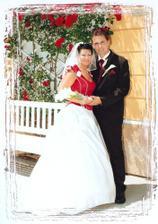 Před obřadní síní, už s manželem