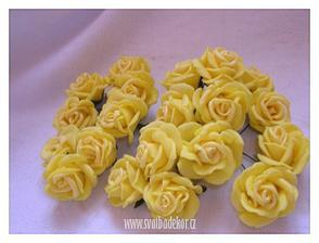 žluté růžičky .... 20 ks/80 Kč