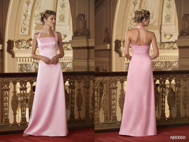 Že by šaty pro mou sestřičku a zároveň svědkyni ? .... jen abych pak nezůstala na ocet, až ji v nich ostatní uvidí :-))).................. také ebay