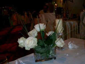 deko na rodicovskom svad. stole
