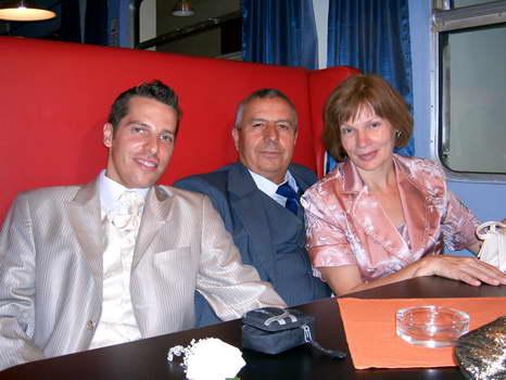 Slavomira{{_AND_}}Liviu- Alex Barbat - manzel s jeho rodicmi