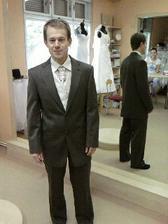 A něco pro ženicha - oblek vlastní, půjčená jen vesta a uzel