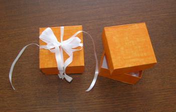 Tak tyhle krabicky mame na darecky pro svatebcany. Jen masle bude trochu jina:)